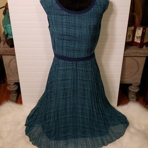 Halogen Navy and Green Pleated Lined Shift Dress